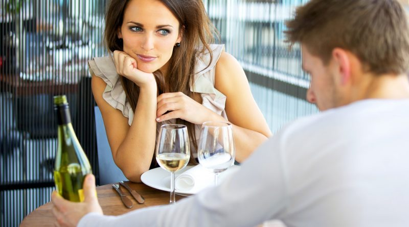 5 Things Every Man Must Do On A First Date